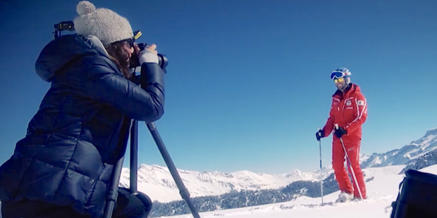 Skileraren in Zwitserland leren filmen