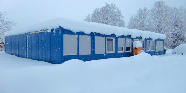 Skischool Söll plaatst skileraren in containers