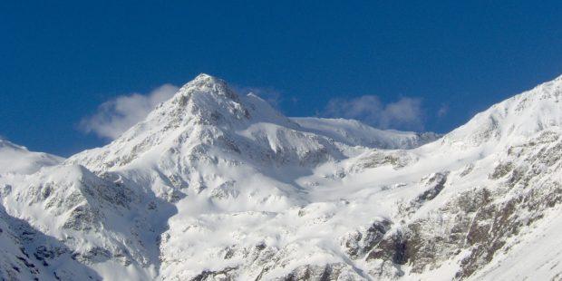Jongen maakt selfie tijdens skiles en valt 500 meter van klif