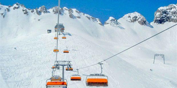 Skileraar uit lawine gered door eigen leerlingen