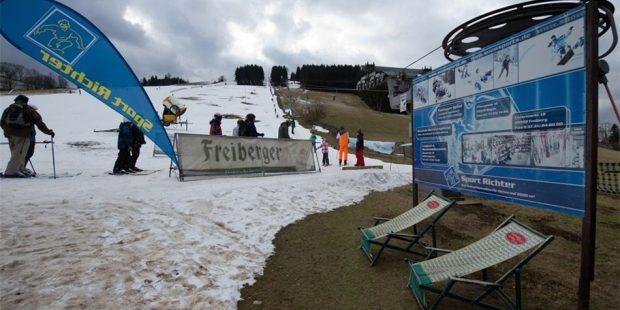 Skischolen in lager gelegen skigebieden hebben het zwaar