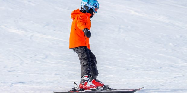 Te lange, oude of kapotte ski's: tips voor ouders