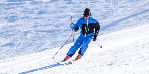De skischool is niet alleen voor kinderen en beginners