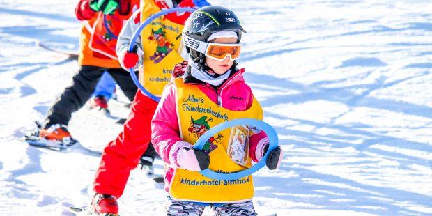 10 eenvoudige tips om kinderen sneller te leren skiën