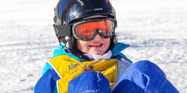 Helpt een helm echt wel tegen hoofdletsel bij kinderen?