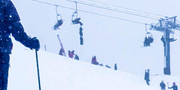 Skileraar redt vriend op heldhaftige wijze uit stoeltjeslift