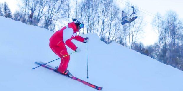 Staatlich opgeleide skileraar laat in China zien hoe het moet