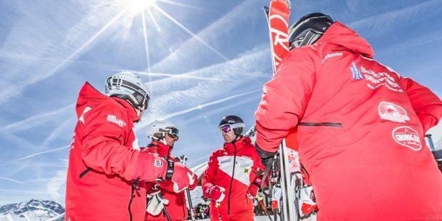 Skileraren Lermoos wisselen van blauw naar rood